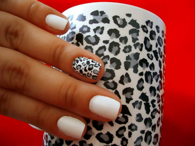 animal_print_nails_white_leopard