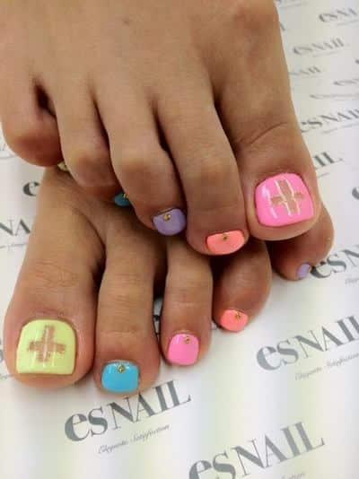 15-adorable-toe-nail-designs-and-ideas11