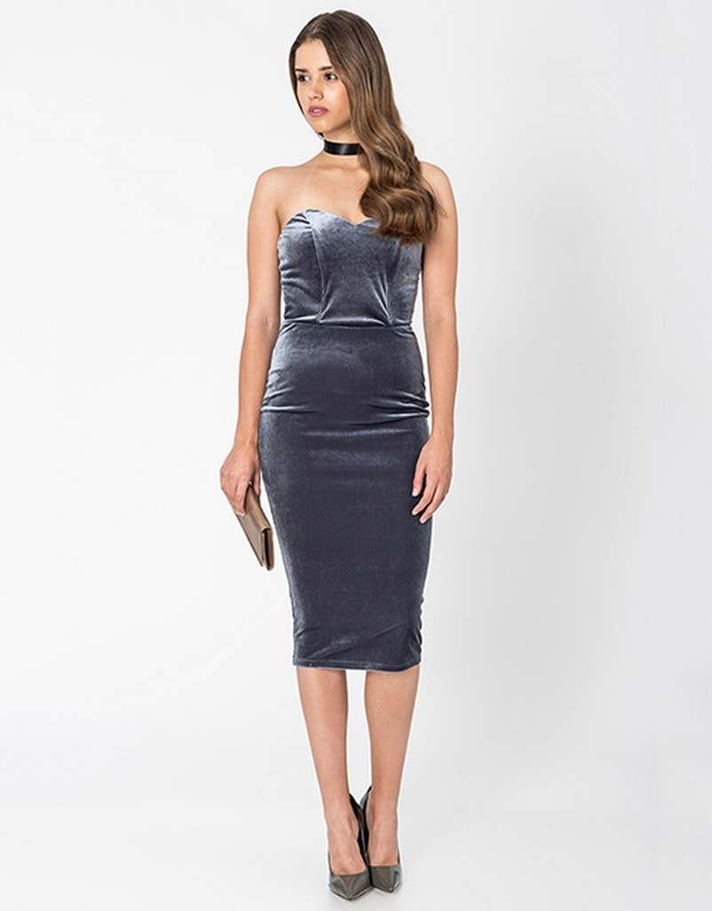 ... Τα ωραιότερα Βελούδινα Φορέματα της Αγοράς 72d3a3612e7