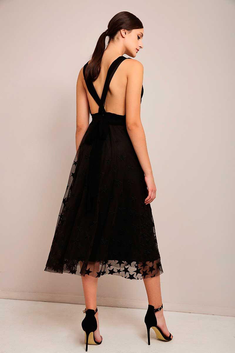 Ψάχνεις ακόμα ΤΟ φόρεμα για την τελευταία βραδιά του χρόνου  b828ee2fb99
